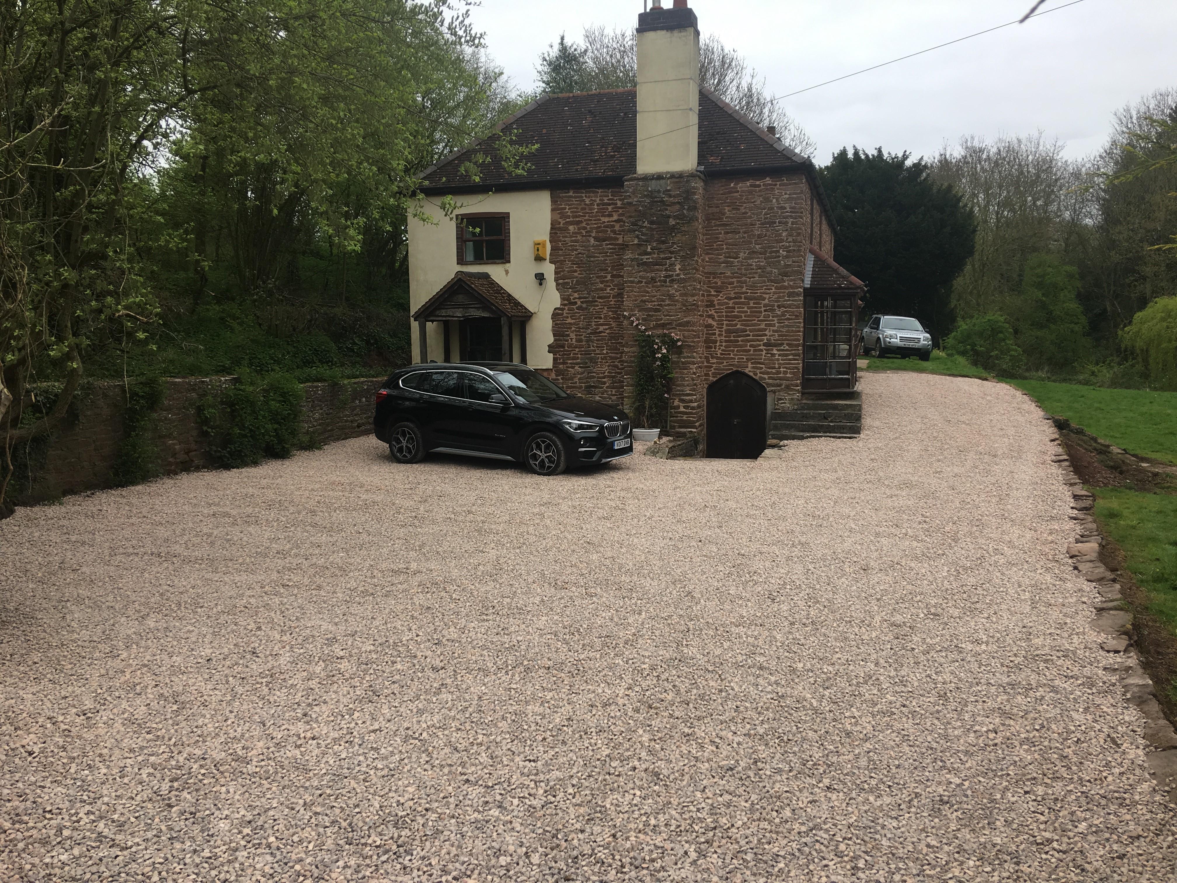 Gravel driveway - Ross Hillman Ltd
